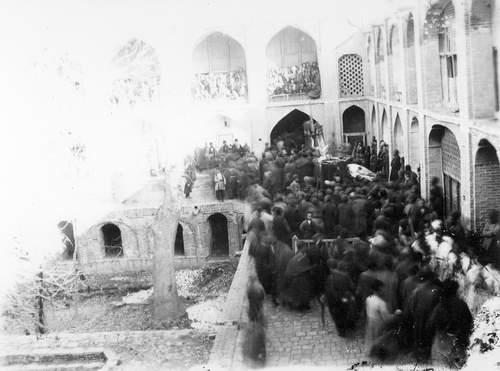 ققنوس - مراسم عزاداری حسینی قزوین - اواخر قاجاریه